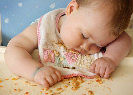 Не кормите малыша на ночь