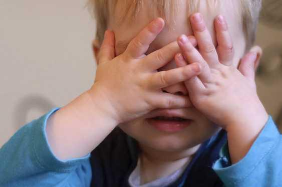 Повышенная чувствительность к раздражителям в 1 год и 7 месяцев