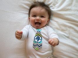Развитие ребенка в 9 месяцев что должен уметь