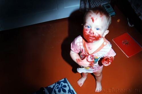мальчики хотят накрасить себе губы маминой помадой